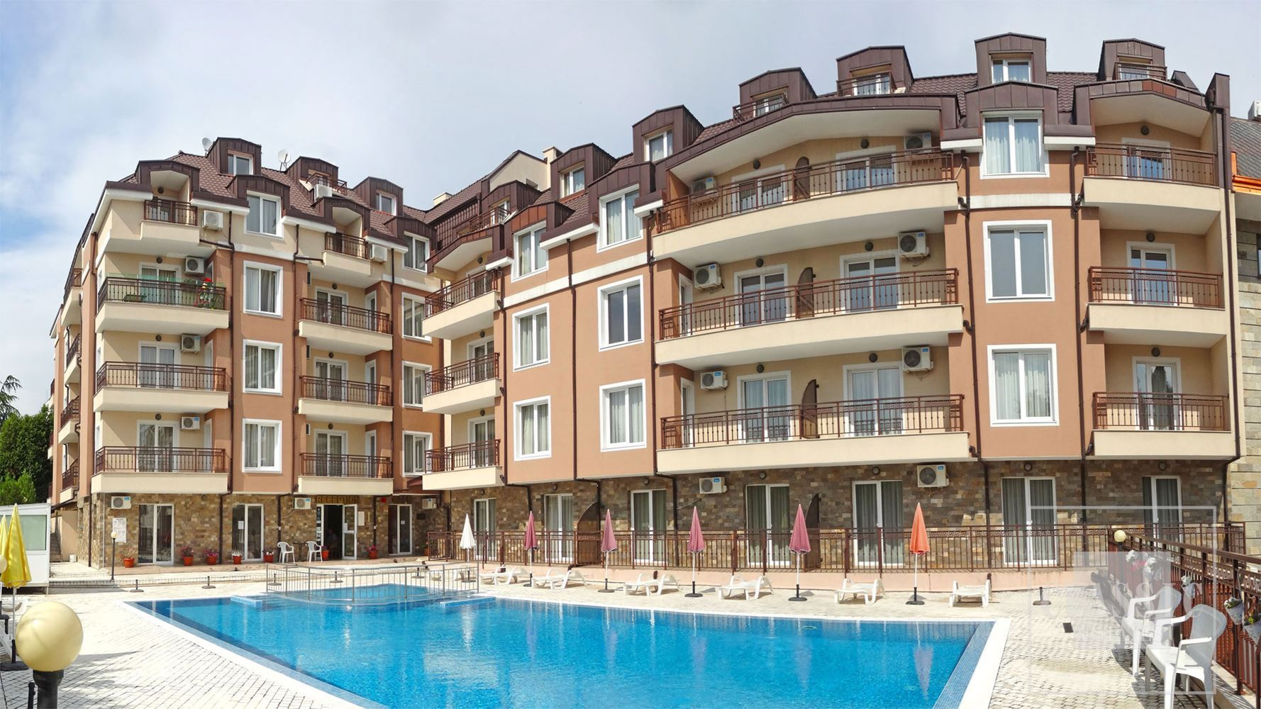 Sale of a residential complex suitable for hotel business